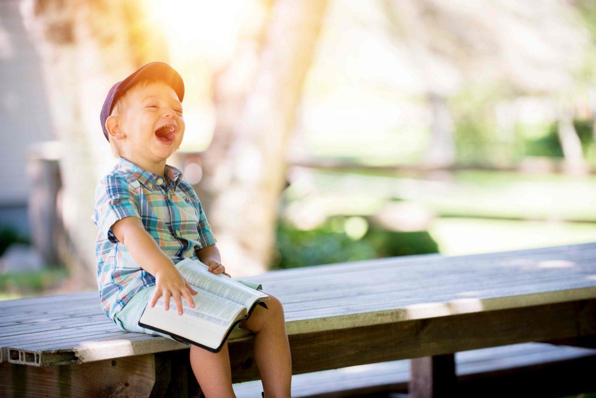 Über einen langen Zeitraum war umstritten, ob die Kostenübernahme einer Autismustherapie für ein Schulkind vom Einkommen und Vermögen der Eltern abhängt.